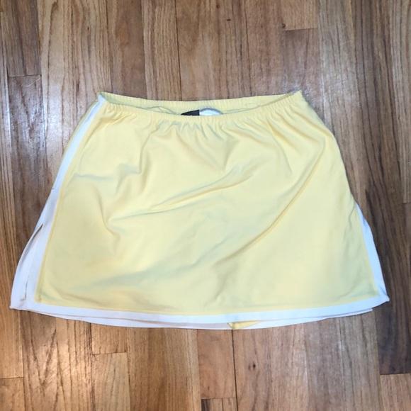 Worn once Nike yellow & white tennis skirt